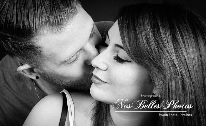 Photographe de couple Yvelines, bons plans photo, idée cadeau photo studio de couple Yvelines.